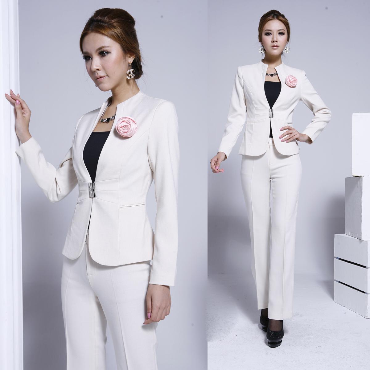 Индивидуальный дизайн и пошив женский костюм, ателье Ставрополь